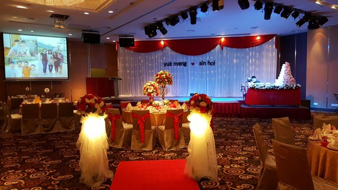 Stage Backdrop Design by Wedding And You - 001