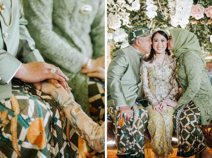 The Java Wedding of Hibiya & Bayu by ThePhotoCap.Inc - 008