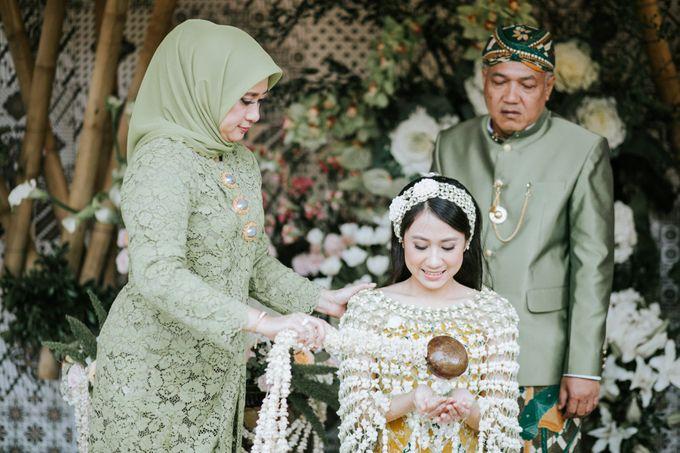 The Java Wedding of Hibiya & Bayu by ThePhotoCap.Inc - 013