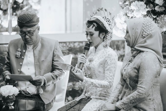 The Java Wedding of Hibiya & Bayu by ThePhotoCap.Inc - 027