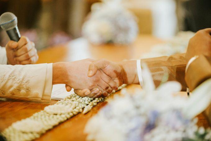 The Java Wedding of Hibiya & Bayu by ThePhotoCap.Inc - 030
