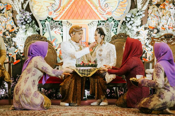 The Java Wedding of Hibiya & Bayu by ThePhotoCap.Inc - 037