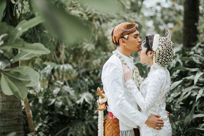 The Java Wedding of Hibiya & Bayu by ThePhotoCap.Inc - 041