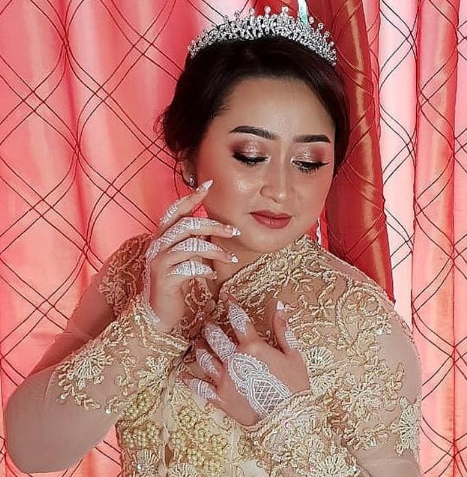 Wedding Make Up by Make Up by Mutiara Fallahdani - 004