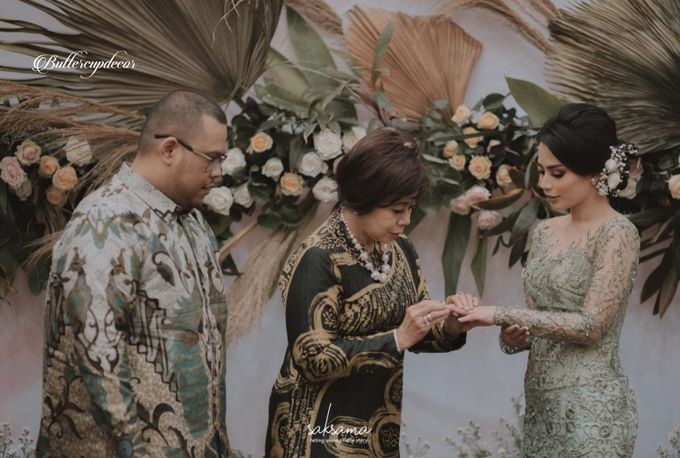 Mutia Johan Engagement by Buttercup Decoration - 002