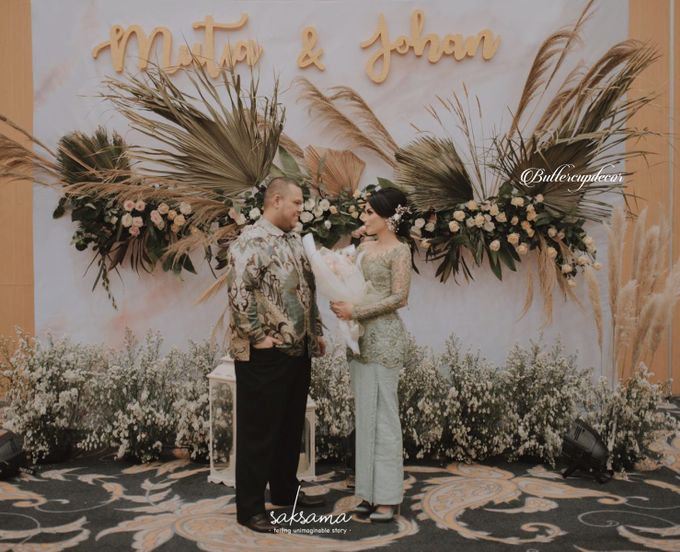 Mutia Johan Engagement by Buttercup Decoration - 003