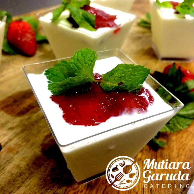 Our Cakes & Desserts by Mutiara Garuda Catering - 034