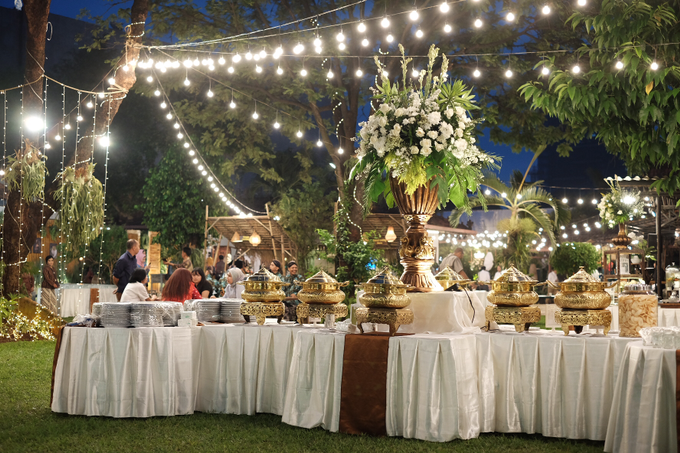 Pasar Rakyat Wedding Themed of Aviana & Sugi by Mutiara Garuda Catering - 011