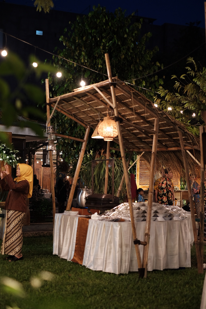 Pasar Rakyat Wedding Themed of Aviana & Sugi by Mutiara Garuda Catering - 012