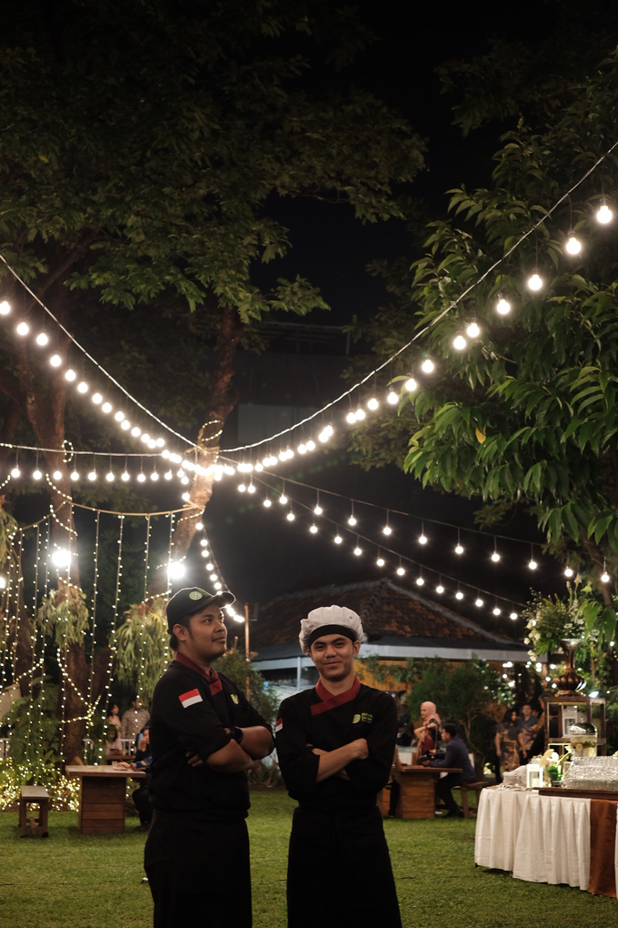 Pasar Rakyat Wedding Themed of Aviana & Sugi by Mutiara Garuda Catering - 017