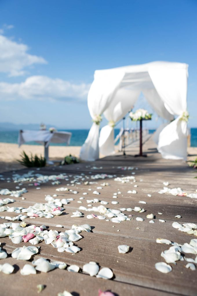 Beach Wedding of Max & Veronika by Gyver Chang Photography - 010