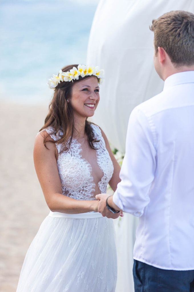 Beach Wedding of Max & Veronika by Gyver Chang Photography - 001
