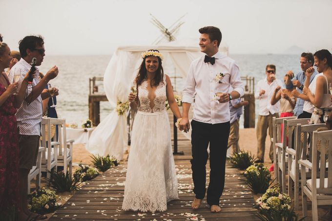 Beach Wedding of Max & Veronika by Gyver Chang Photography - 003