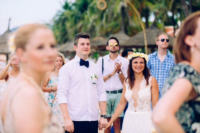 Beach Wedding of Max & Veronika by Gyver Chang Photography - 004