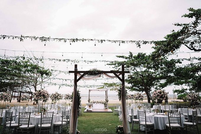 Beachfront Wedding at Sofitel Bali by WiB flowers - 005