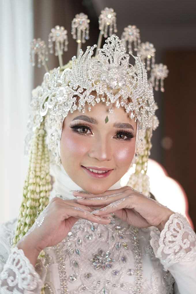 Siger Sunda Berhijab by iir bahari professional makeup and wedding - 012