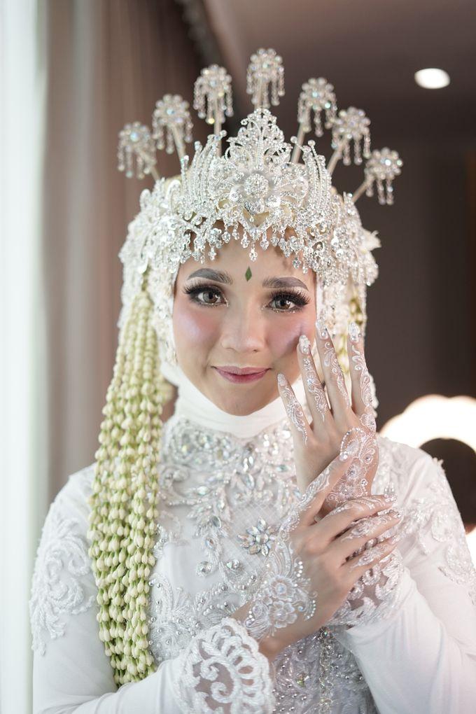 Siger Sunda Berhijab by iir bahari professional makeup and wedding - 011