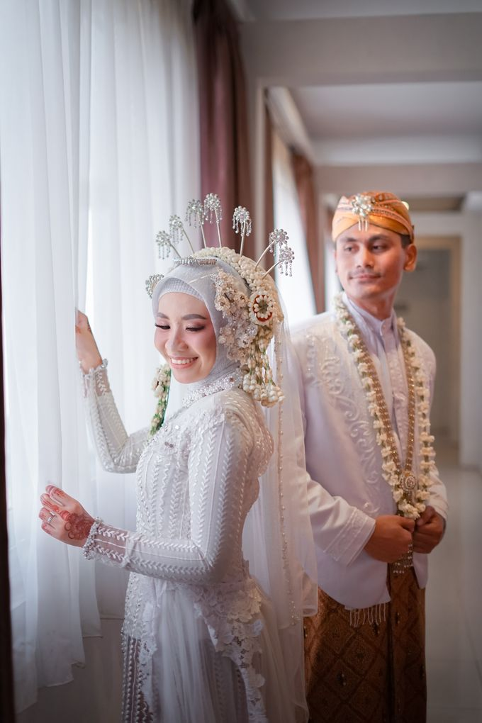 Momen Para Pengantin by iir bahari professional makeup and wedding - 019