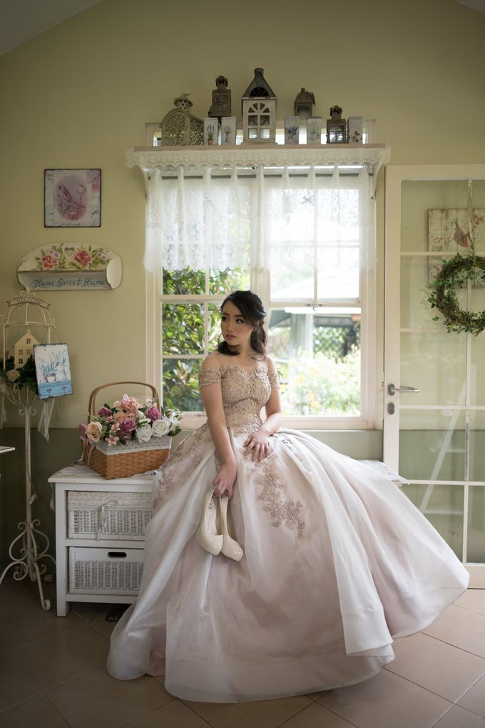 Presweet Gown for Evelyn by Deasy Marlina - 001