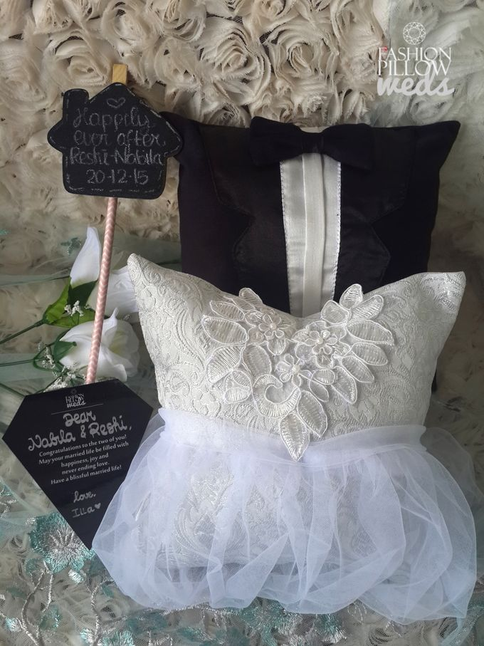 Classic Wedding Pillow for Nabila Syakieb & Reshwara A. Radinal by Fashion Pillow Weds - 001