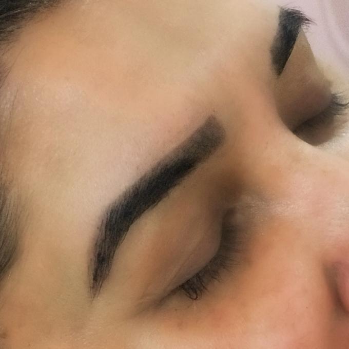 Brow Henna Tinting Services by Nakreze Mehndi - 001