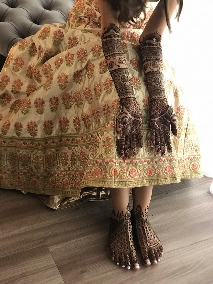 Bridal Henna - Intricate by Nakreze Mehndi - 049