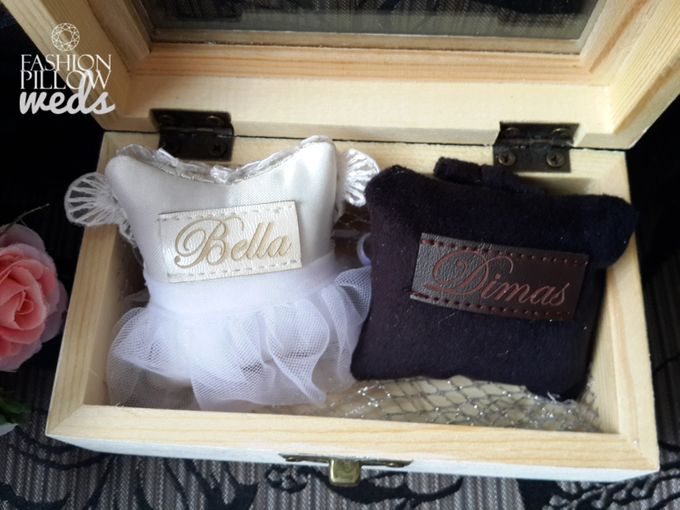 Custom Wedding Ring Pillow Box by Fashion Pillow Weds - 001