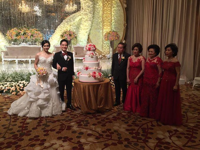 Hody & Lysia Wedding at Grand Ballroom by She La Vie Organizer & Decoration - 004