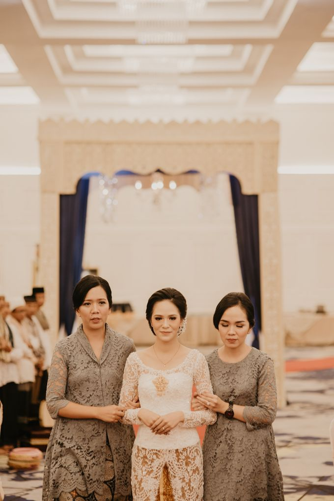 Nasya & Agyl Wedding Photo at Menara Mandiri by IKK Wedding Planner - 034