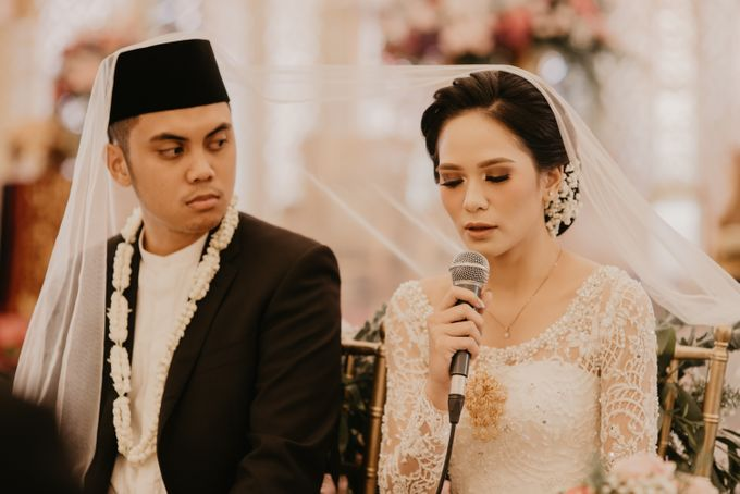 Nasya & Agyl Wedding Photo at Menara Mandiri by IKK Wedding Planner - 035