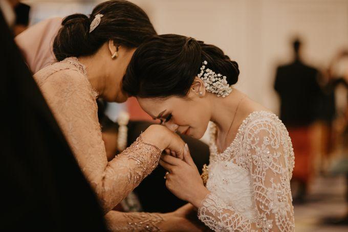 Nasya & Agyl Wedding at Menara Mandiri by IKK Wedding Planner - 032
