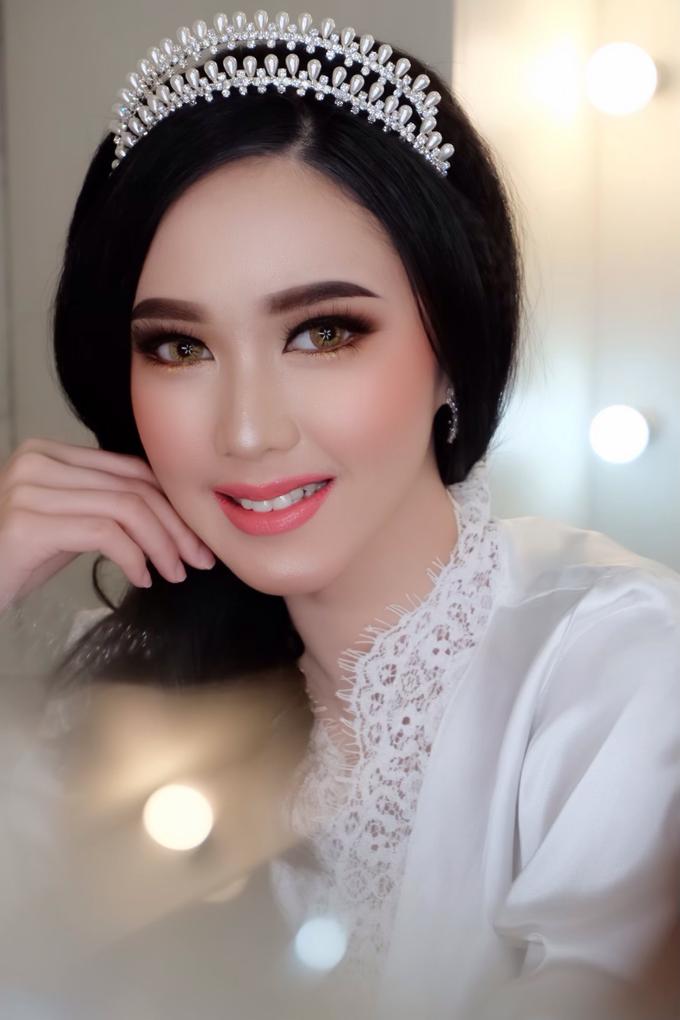 Bride Makeup by Natcha Makeup Studio - 001