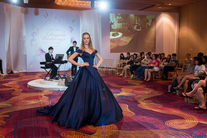 Bridal Gown Fashion Show At Mandarin Orchard Singapore by La Belle Couture Weddings Pte Ltd - 021