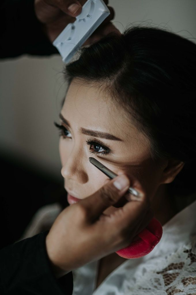 Santika Hayam Wuruk - Karina Morning Preparation by Impressions Wedding Organizer - 008
