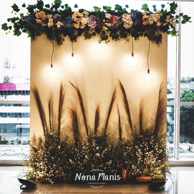 Neriss & Bintang Wedding Decoration by Nona Manis Creative Planner - 002