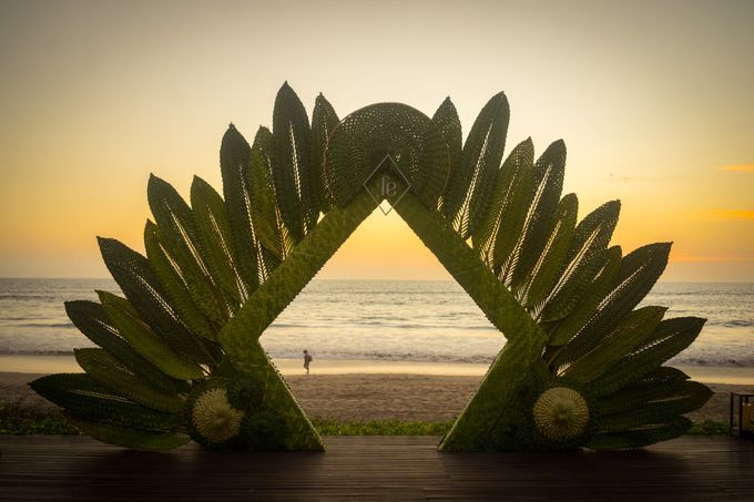 Contemporary archways and venue dressing by Make A Scene! Bali - 001