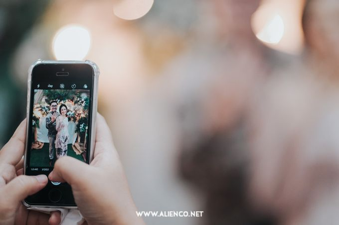 The Engagement of Andari & Fatahillah by alienco photography - 032