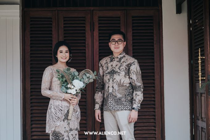 The Engagement of Andari & Fatahillah by alienco photography - 036