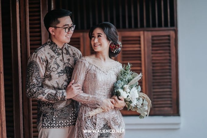 The Engagement of Andari & Fatahillah by alienco photography - 039