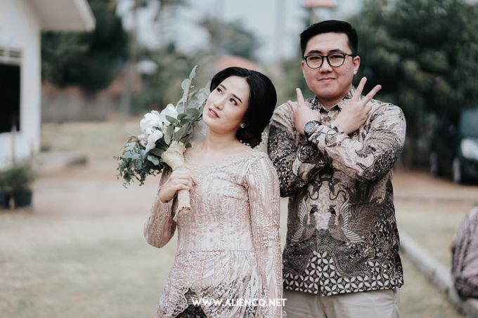 The Engagement of Andari & Fatahillah by alienco photography - 047