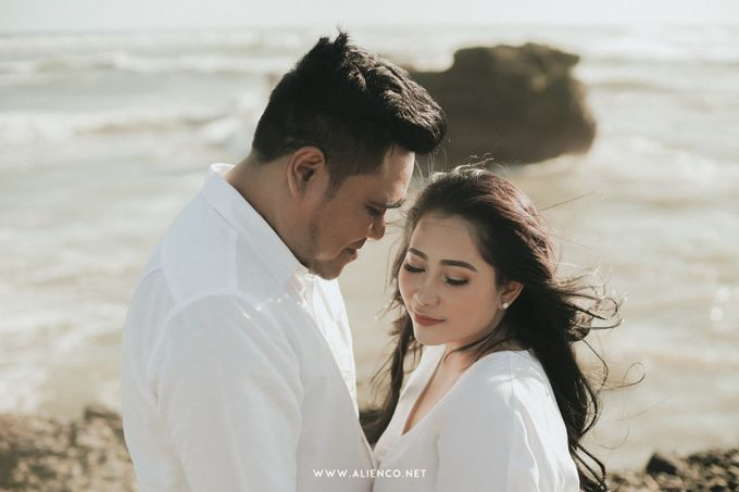 The Prewedding Of Andrew & Dinar by alienco photography - 029