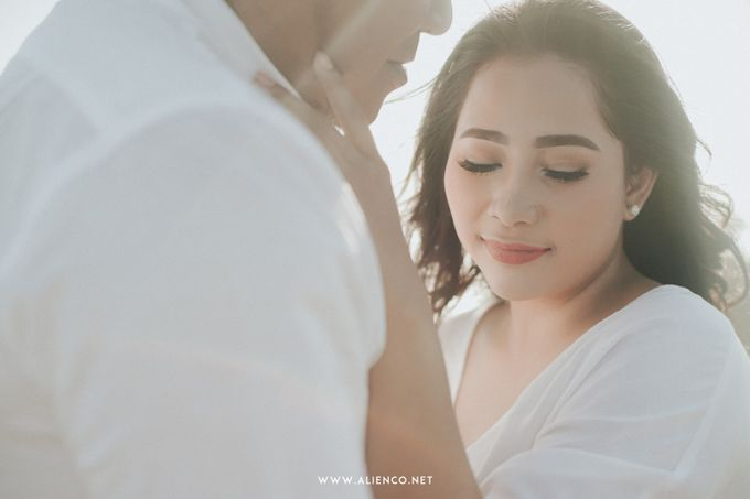 The Prewedding Of Andrew & Dinar by alienco photography - 030