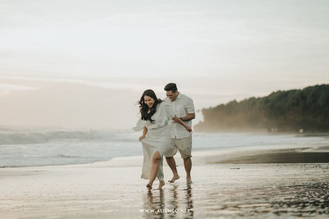 The Prewedding Of Andrew & Dinar by alienco photography - 037