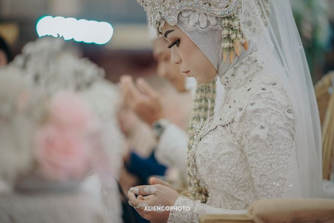PURI ARDHYA GARINI WEDDING OF ALDY & PUTRI by alienco photography - 001