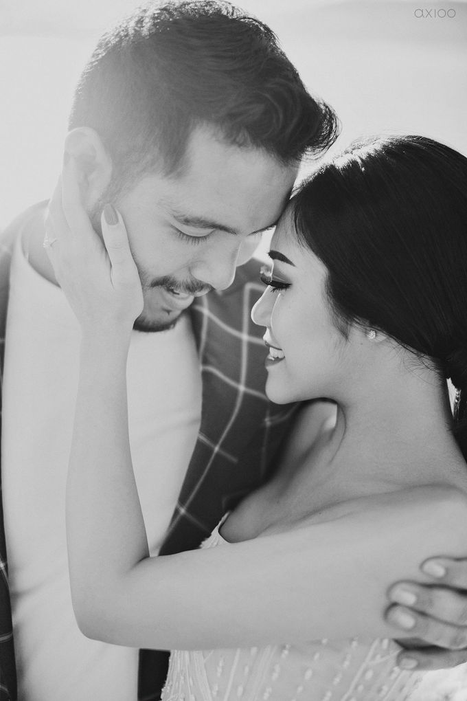 Worth The Wait -  The Prewedding of Nico and Thasia by Ivan by Axioo - 004