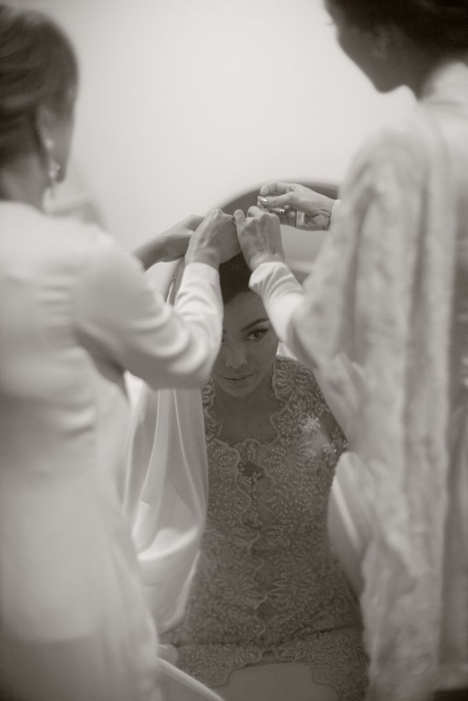 The Traditional Engagement of Niki & Whulan by Namasa Portraire - 012