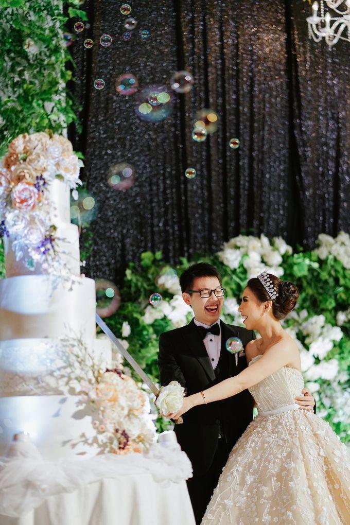 THE WEDDING OF DANIEL & NOVI by Alluvio - 020