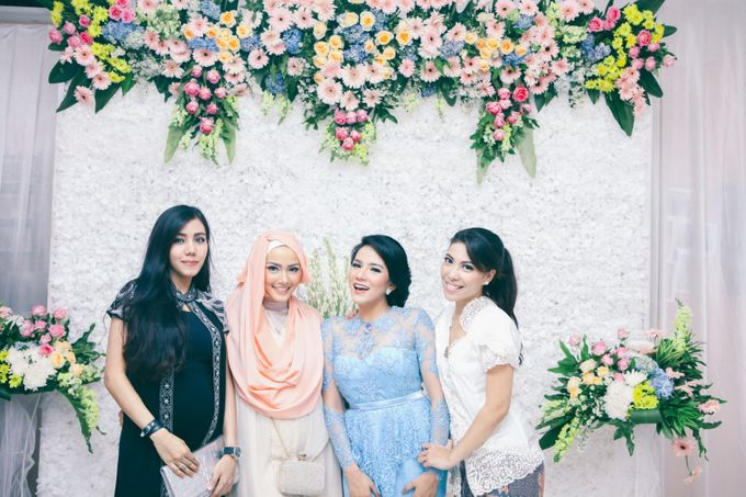 Paper Blue Engagement for Ageng & Nissya by Warna Project - 010