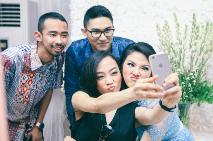 Paper Blue Engagement for Ageng & Nissya by Warna Project - 011