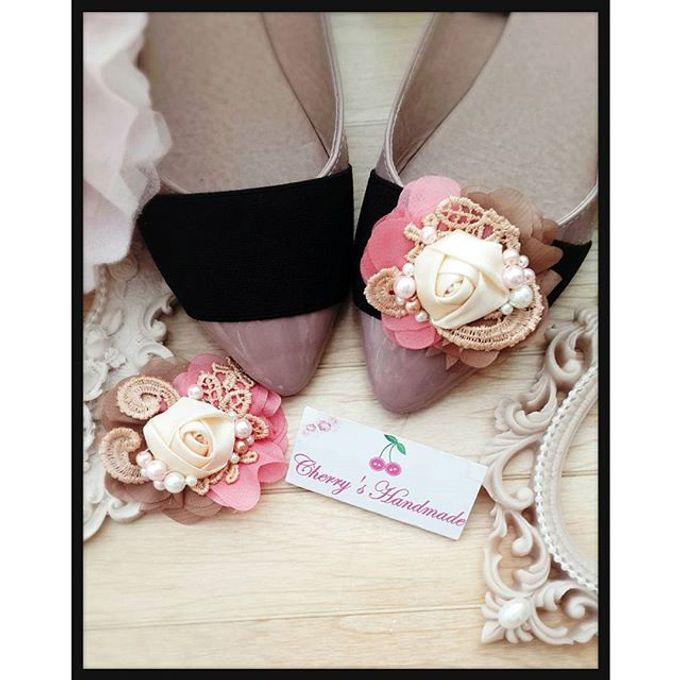 Flowery Shoeclips by Cherry's  Handmade - 004